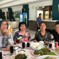 Dùng cơm tại Hotel Sài gòn Phong Nha